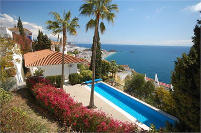 Villa for sale in Almunecar, Spain with Private Pool