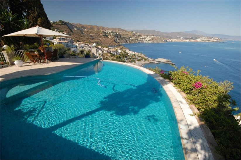La Herradura Spain  city photos : Villa for sale in La Herradura, Spain with Private Pool > Property ...