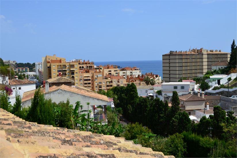 Villa zu verkaufen en almunecar andalusien mit platz f r for Love on the terraces