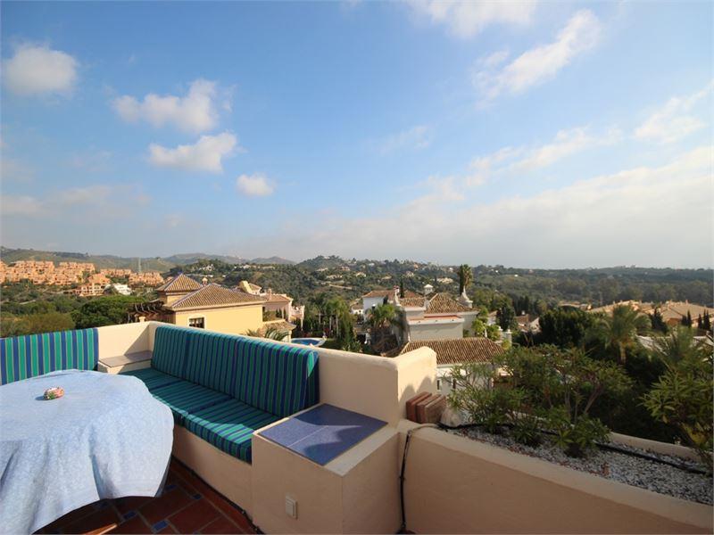 Beautiful penthouse in El Manantial