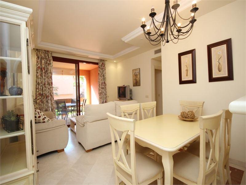 Garden beach-side 3-bedroom apartment