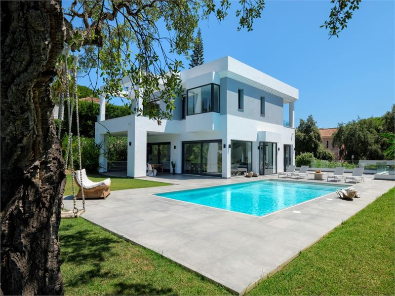 Contemporary villa in Marbella
