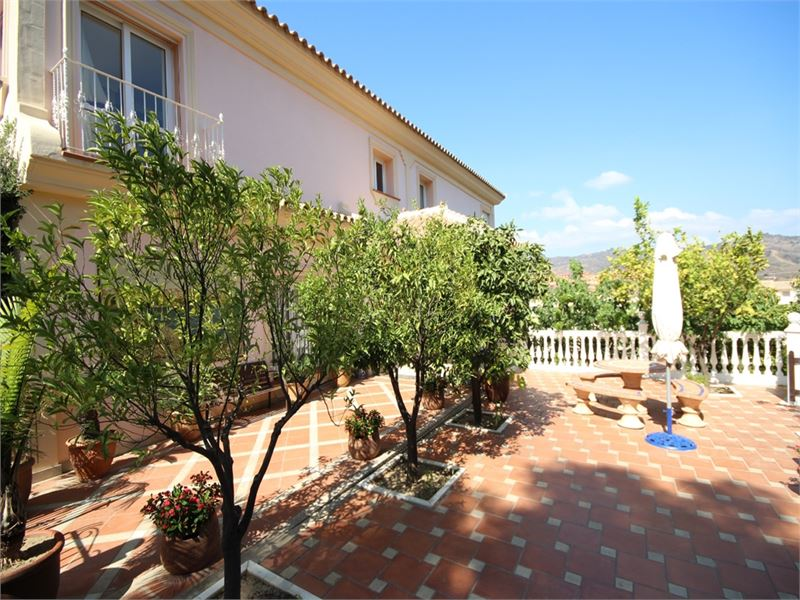 Large family villa with with spectacular views
