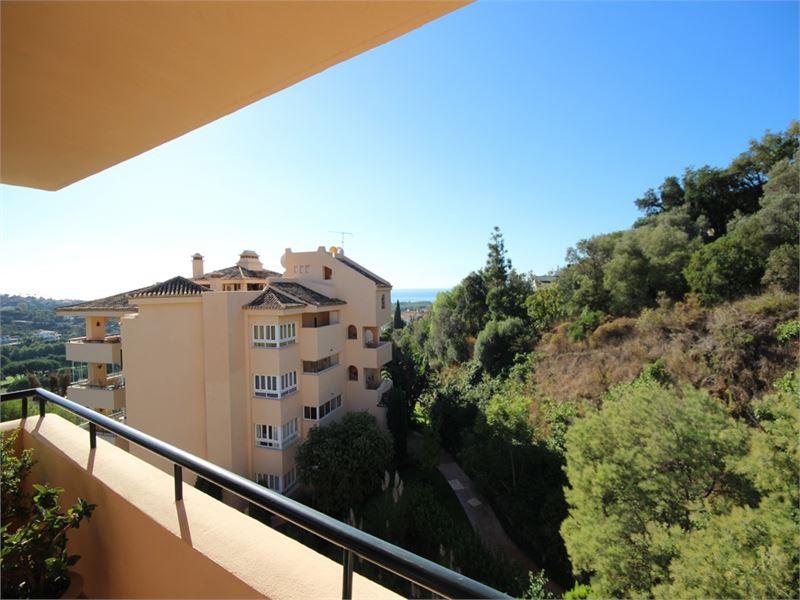 Large penthouse in Santa Maria in Elviria