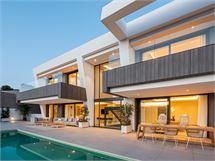 Villa in El Paraiso - Estepona