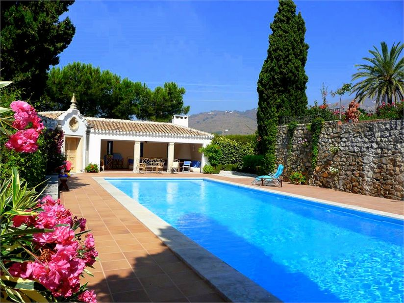 Villa for sale in Salobrena with great sea view