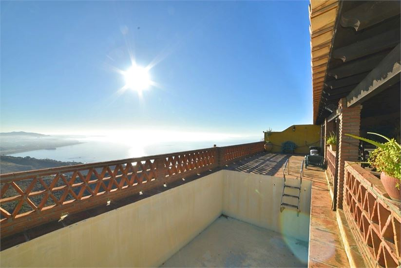Typical spanish cortijo with great sea views