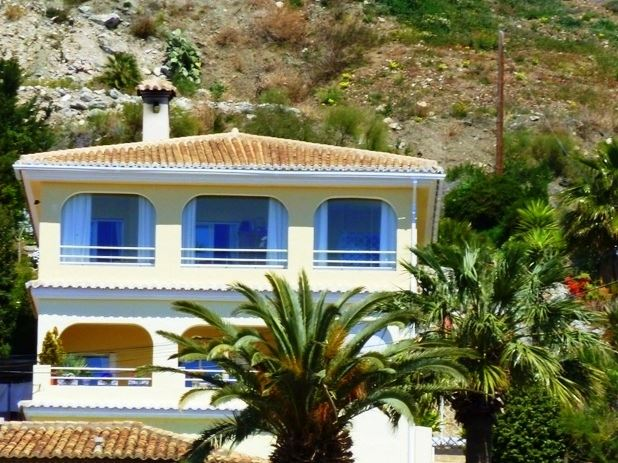 Villa for sale on the Costa Tropical