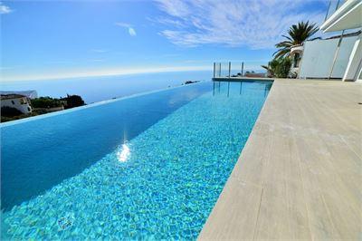 Villa for sale in Costa Tropical, Granada with Private Pool