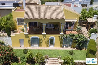 Villa for sale in Salobrena, Andalucia with Space for Pool