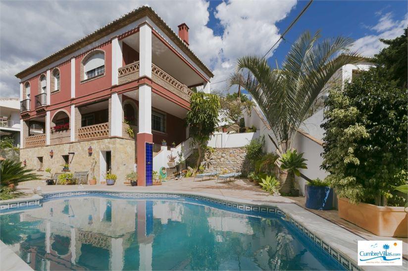 Quality villa walking distance to beach/Almunecar