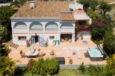 Villa for sale in Almunecar, Andalucia with Heated Private Pool