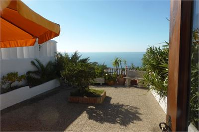 Semi-detached House for sale in Almunecar, Andalucia with Space for Pool