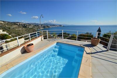 Apartment for sale in La Herradura, Granada with Private Pool