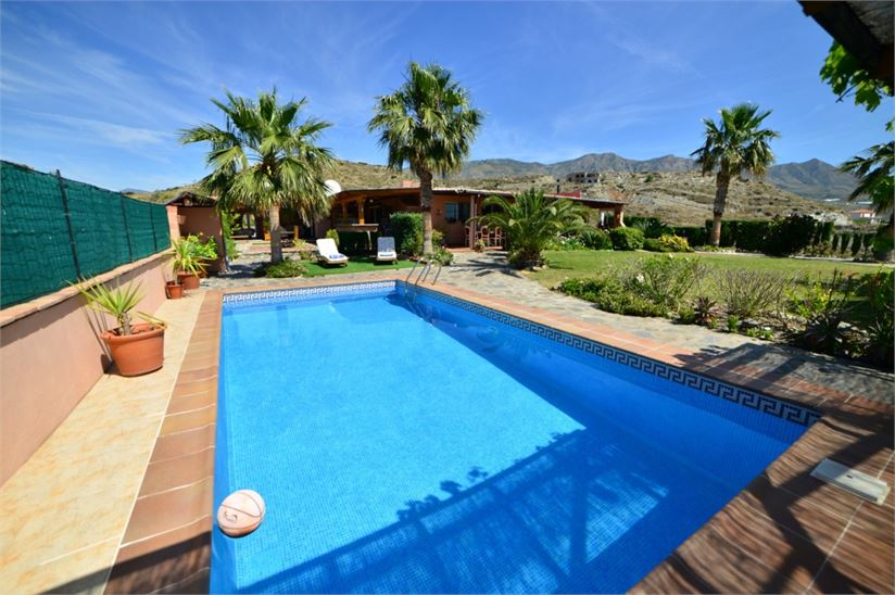 Villa for sale in Molvizar with great sea view
