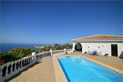 Villa à vendre à Almunecar, Andalousie avec Piscine Chauffée