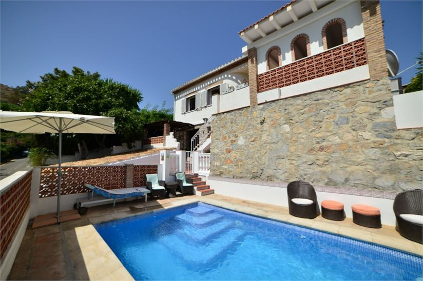 Charming villa with heated, private pool