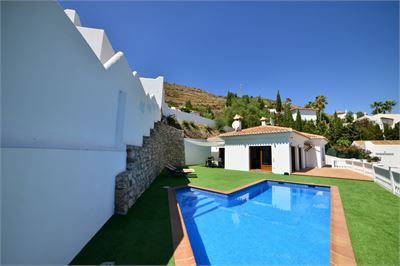 Villa for sale in Salobrena, Andalucia with Private Pool