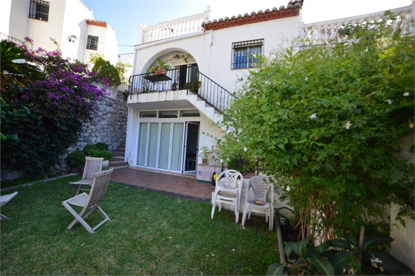 Semi detached house in Almunecar