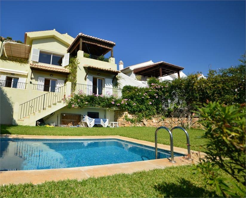 Beautiful villa with pool&garden in La Herradura
