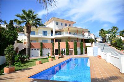 Villa à vendre à Almunecar, Espagne avec Piscine Chauffée Privée