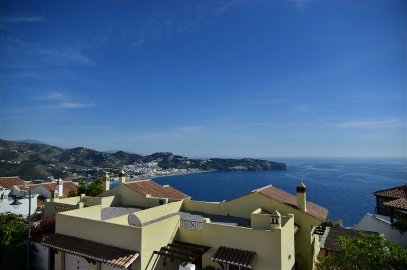 Enjoy these beautiful sea views