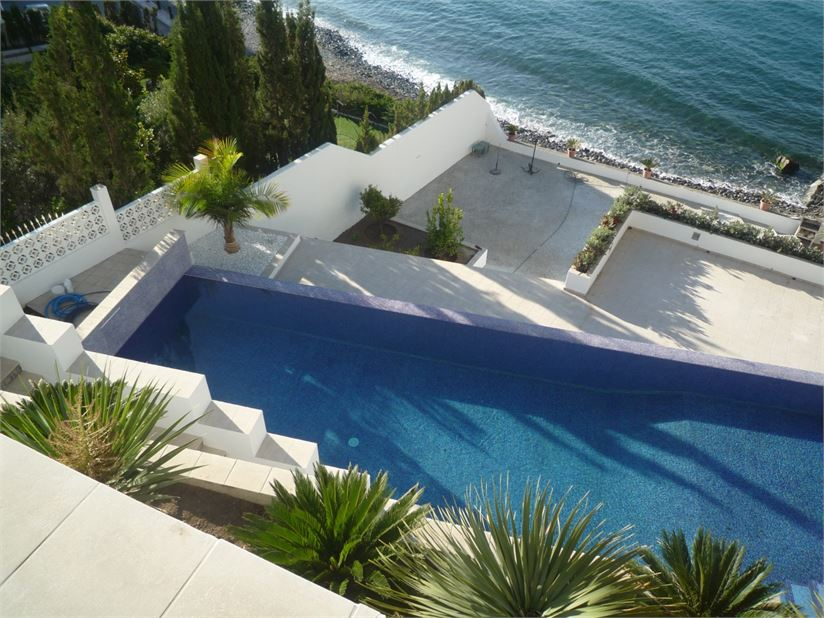 Exclusive villa on the top of the sea
