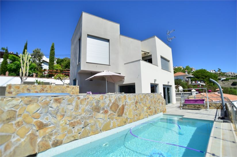 Modern style villa with private pool