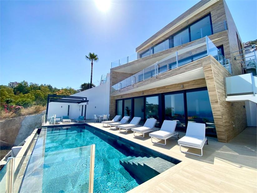 Amazing luxury property