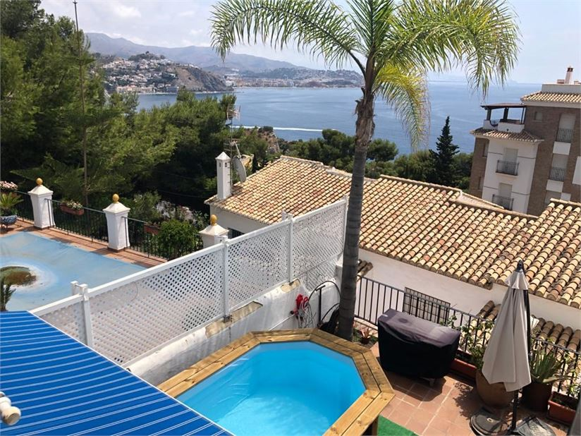 Perfect place to enjoy the sun, pool and sea views