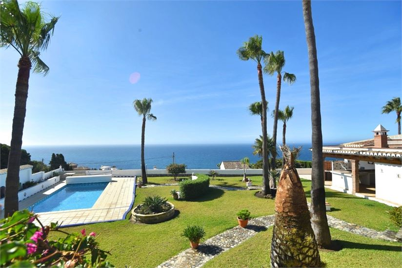 View to the pool & sea from the villa