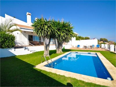 Villa for sale in La Herradura, Granada with Private Pool