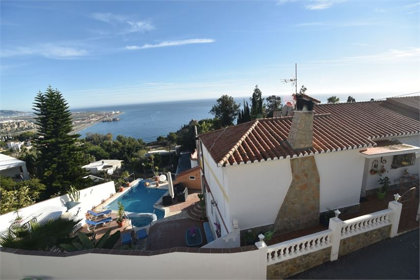 Villa for sale with amazing sea views