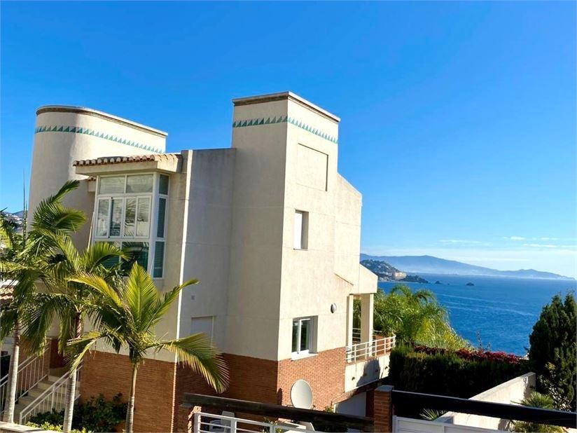 Amazing villa for sale close Marina del Este