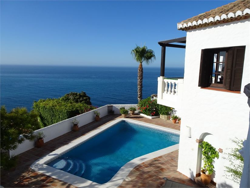 Villa with amazing sea views and private pool
