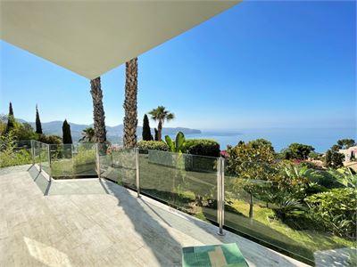 Villa for sale in La Herradura, Spain with Heated Private Pool