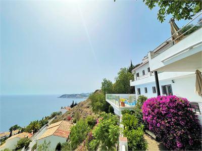 Villa for sale in Salobrena, Andalucia with Private Pool