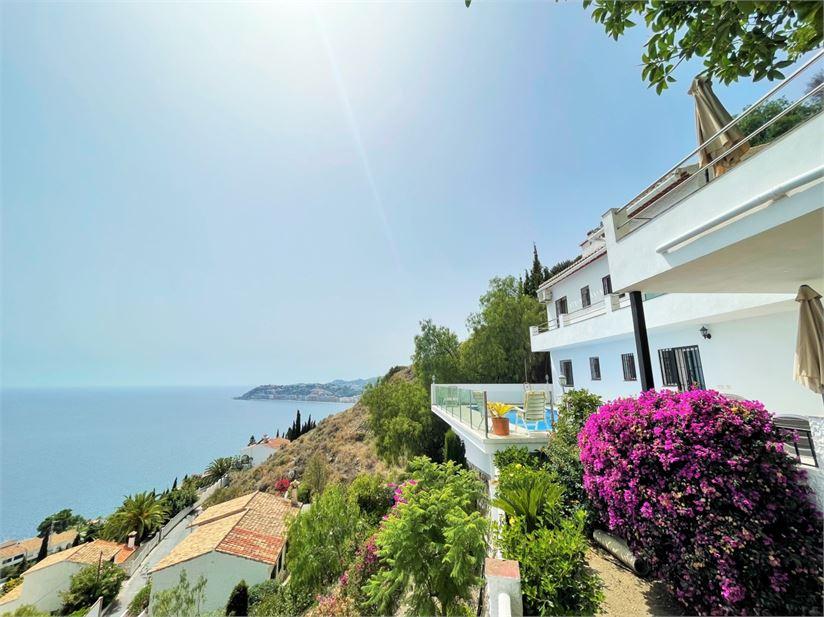 This villa in Alfa Mar has stunning sea views