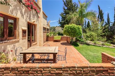 Country House for sale in Nerja, Malaga with Heated Private Pool