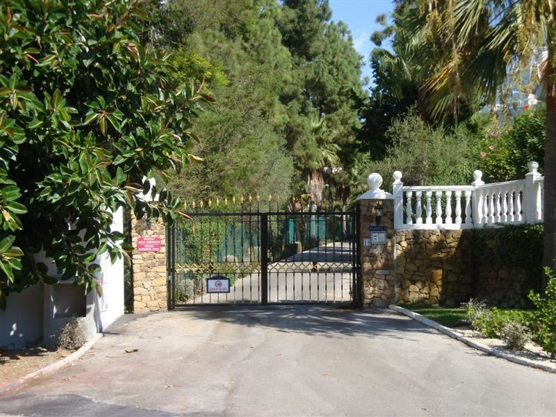 Gated complex