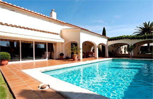Se Vende: Villa en Empuriabrava, Girona, España > Impresionante  y exclusiva villa en Empuriabrava al canal¡¡.