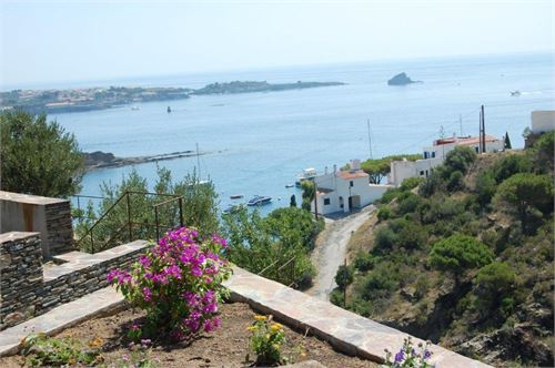 Holiday Rental: House in Cadaqués, Gerona, Spain > Villa with fantastic views in Cadaques.